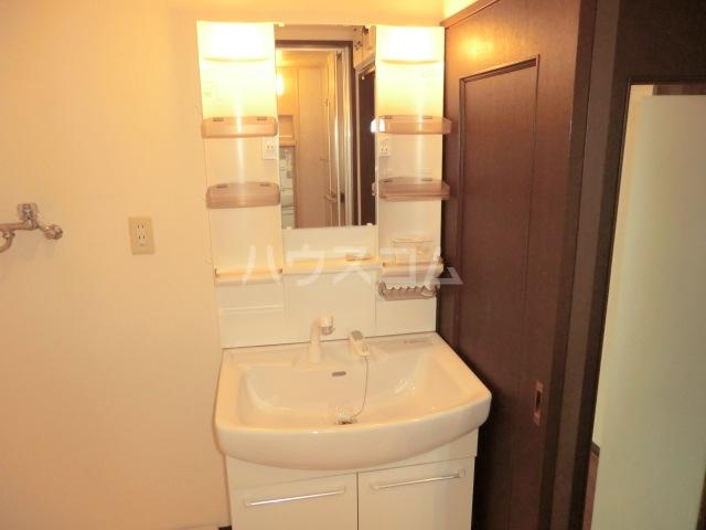 ダイアパレス三日市 103号室の洗面所