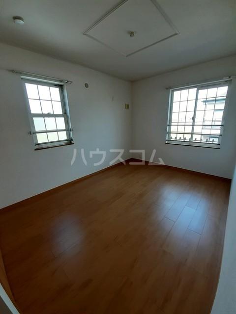 エトアール18B 02030号室の玄関