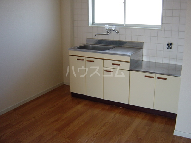 ニューハイツ雅 00201号室のキッチン