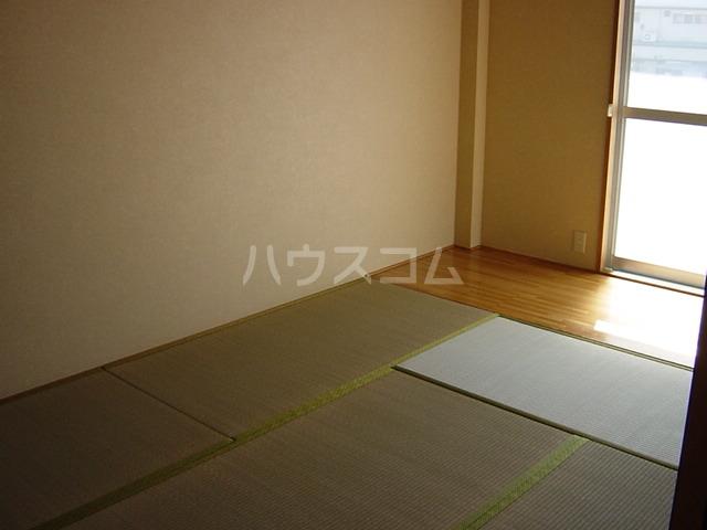 ニューハイツ雅 00201号室のベッドルーム