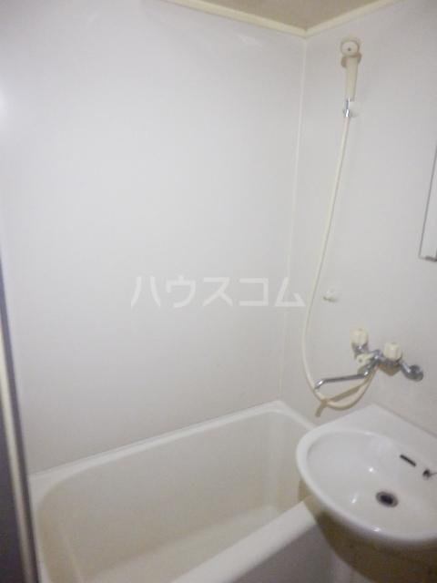 ストーンフィールドNO.5 104号室の風呂