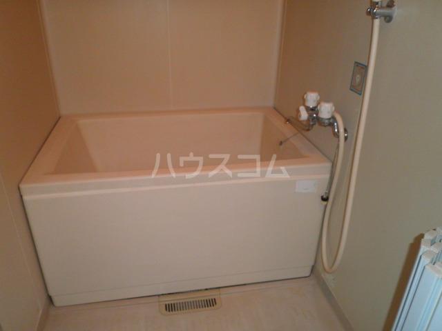 ガーデンハイツ・ヒゴ A206号室の風呂