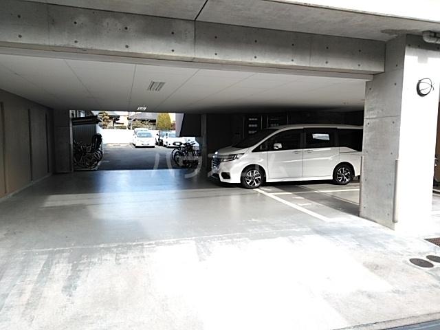グランステージ緑地 202号室の駐車場