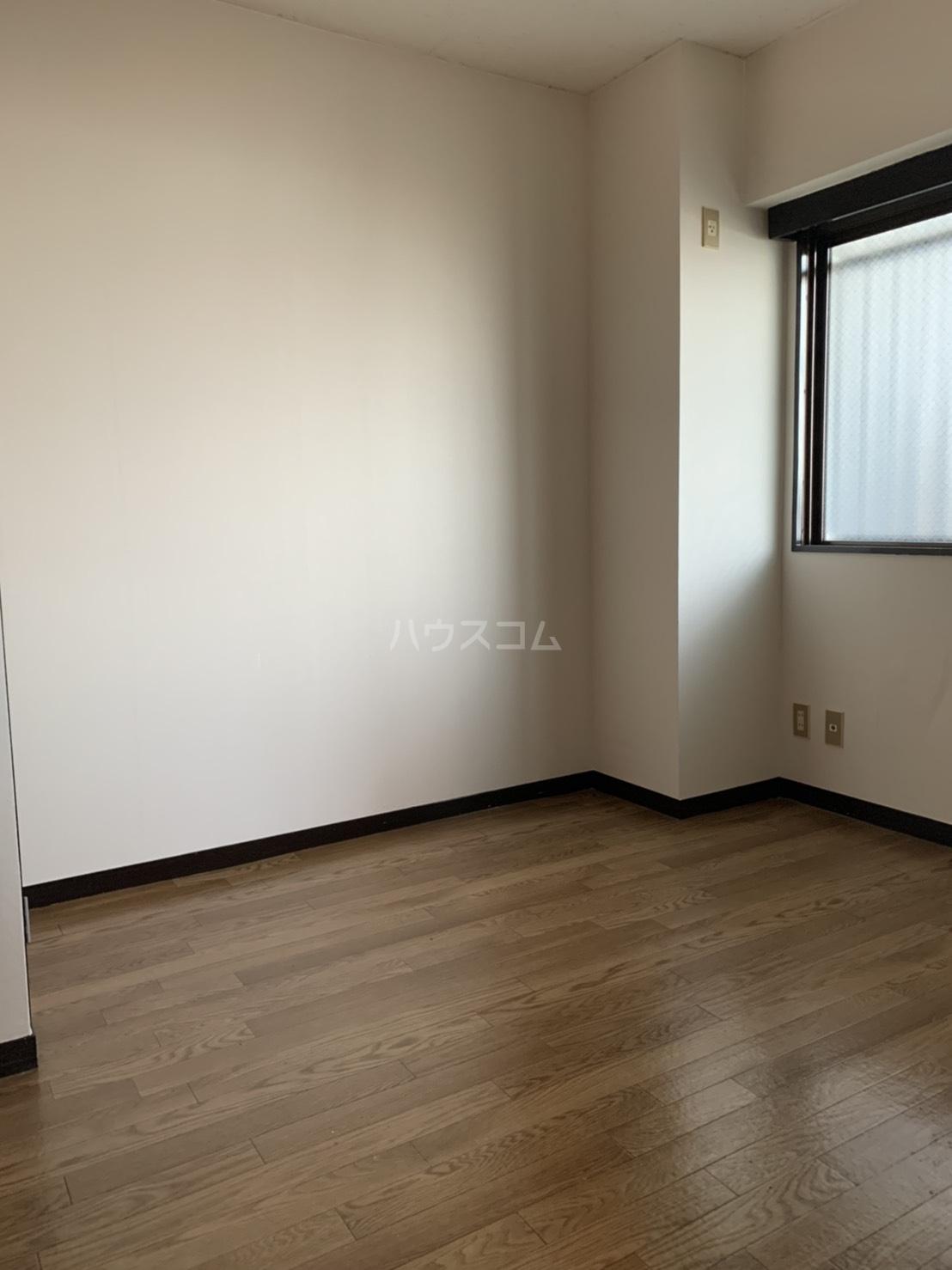 アスピア若鶴 311号室のリビング