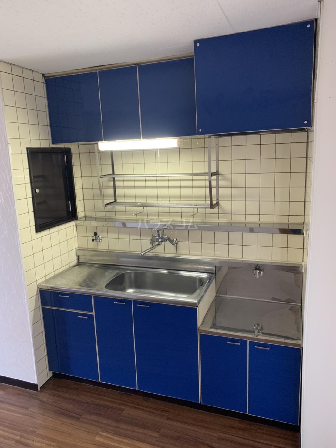 アスピア若鶴 311号室のキッチン