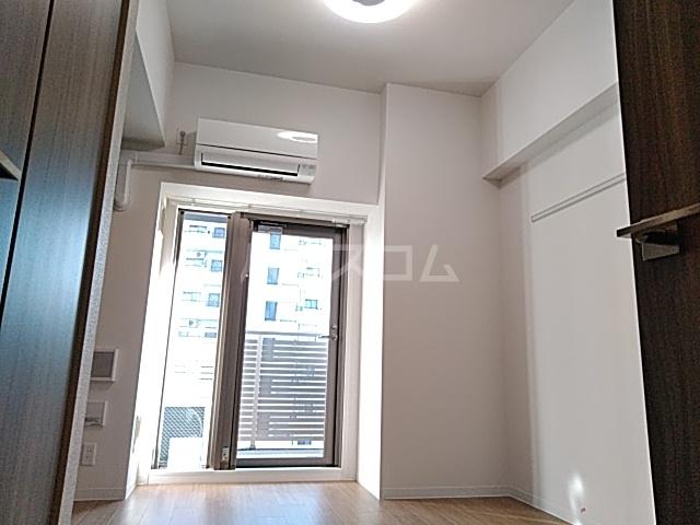 プレサンス名古屋幅下ファビュラス 1302号室のリビング
