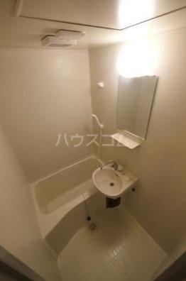 アベニールエイラク 202号室の風呂