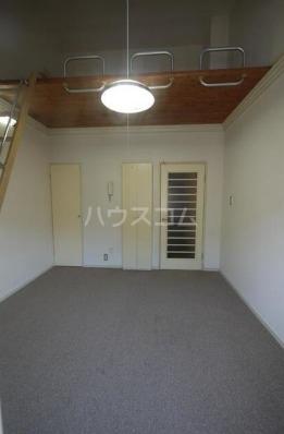 アベニールエイラク 202号室の居室