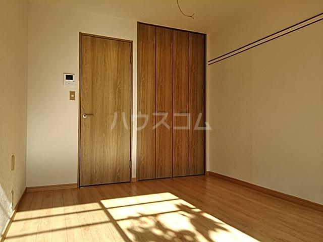 宮前平第2スカイハイツ 103号室のリビング