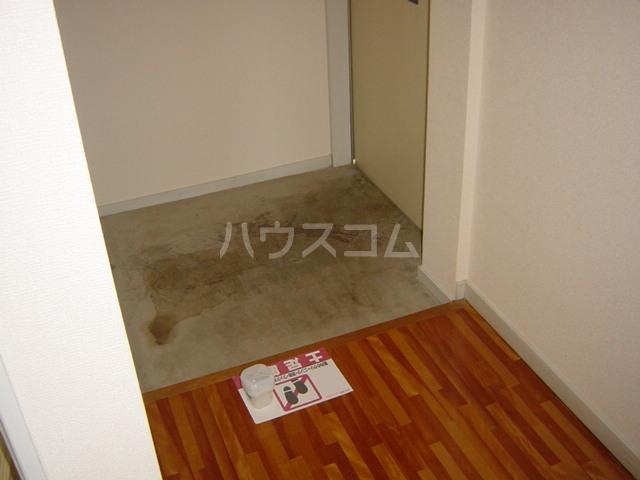 プチハイム追分 00102号室の玄関