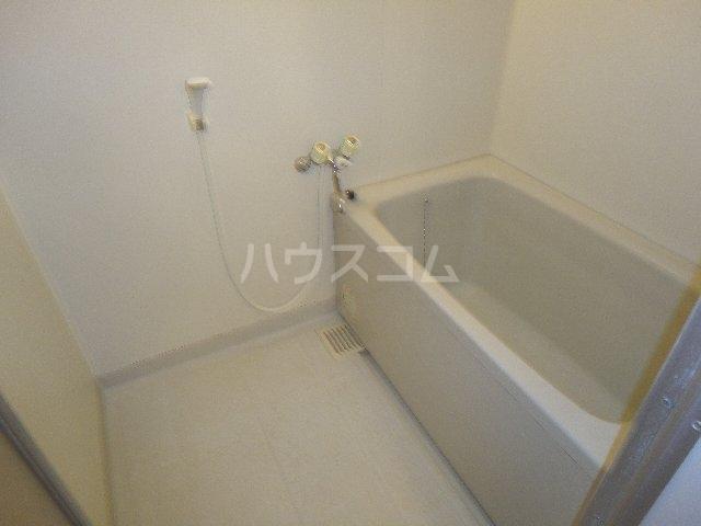 カストルム滝川 505号室の風呂