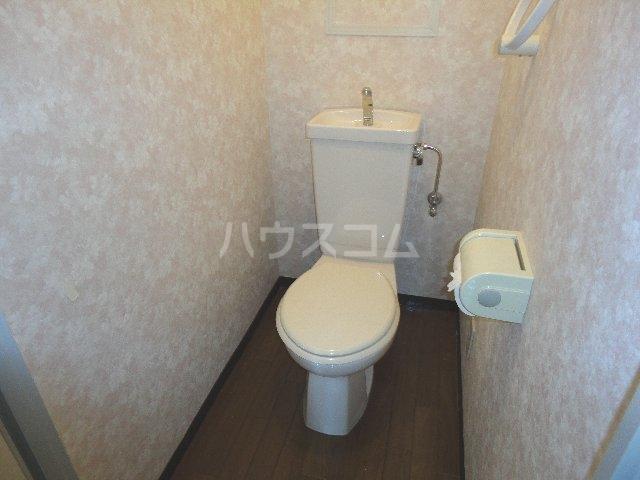 カストルム滝川 505号室のトイレ