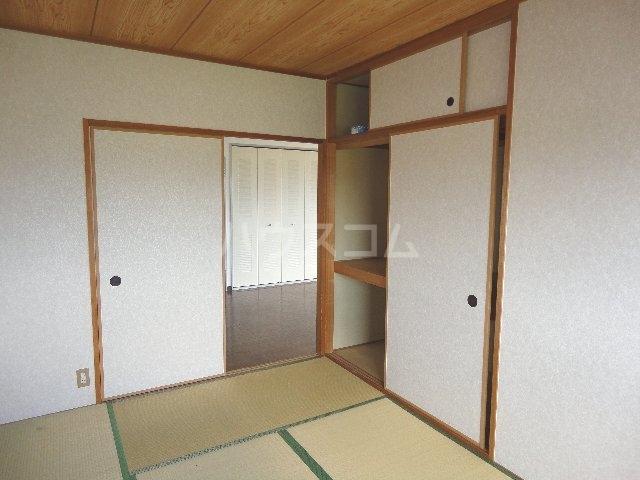 カストルム滝川 505号室のベッドルーム