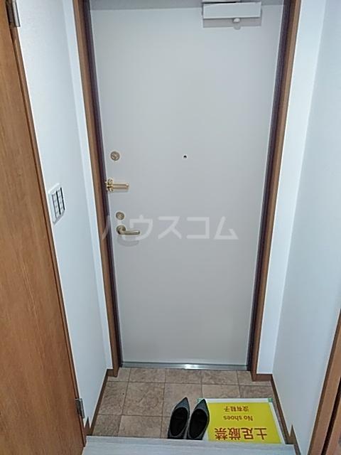 ランド・18 綾瀬2丁目 503号室の玄関