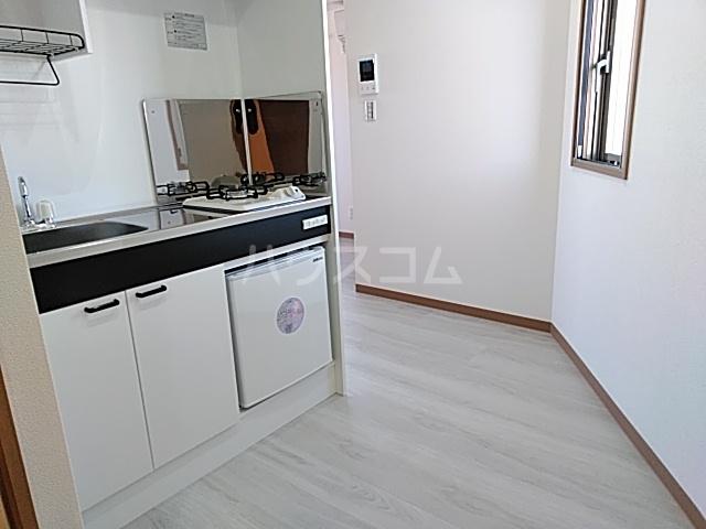 ランド・18 綾瀬2丁目 503号室のキッチン
