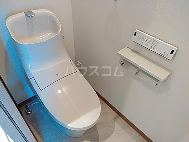 ランド・18 綾瀬2丁目 501号室のトイレ