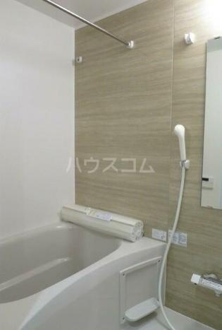 ウェルスクエア都立大学 205号室の風呂