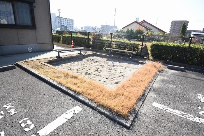 サンピア・K 106号室の庭