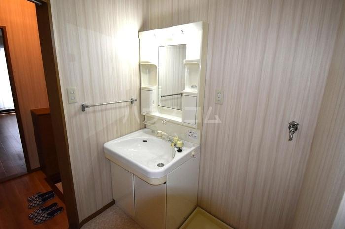 サンピア・K 106号室の洗面所