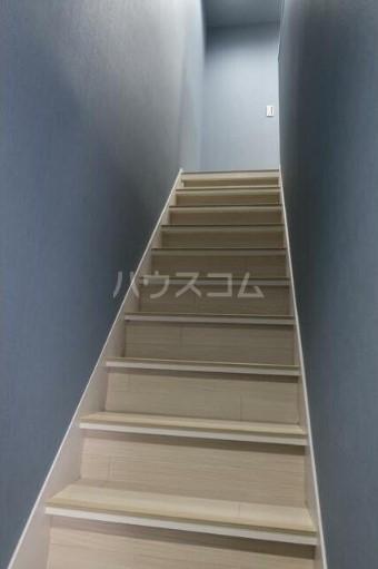 西新宿4丁目コーポラス 203号室の玄関