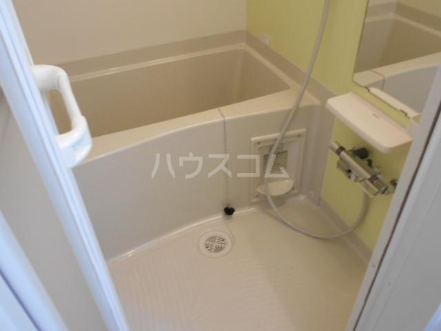 ラフレシール太秦Ⅰ 01030号室の風呂