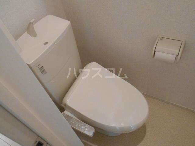 ラフレシール太秦Ⅰ 01030号室のトイレ