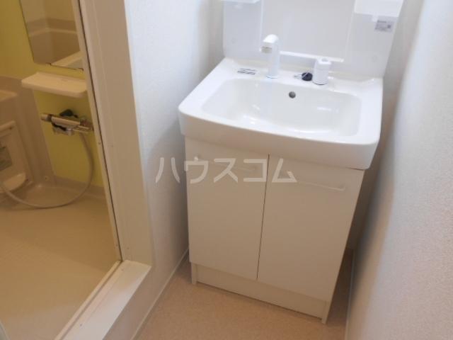 ラフレシール太秦Ⅰ 01030号室の洗面所
