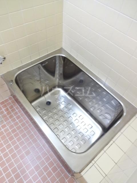 オネスティ北習二番館 104号室の風呂