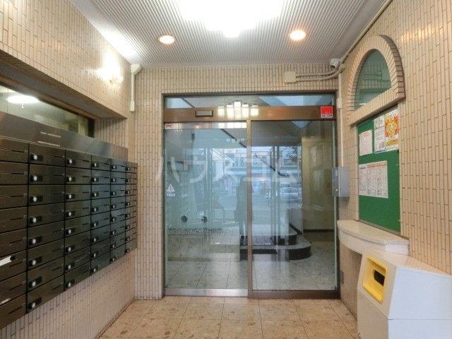メゾン・ド・タンドレス 303号室のエントランス