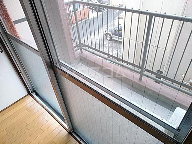 シャトウノダ 303号室のバルコニー