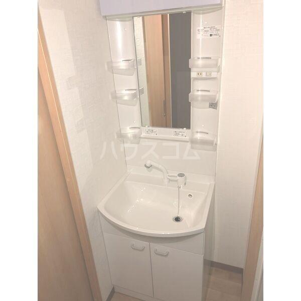 A・City東岸 505号室の洗面所