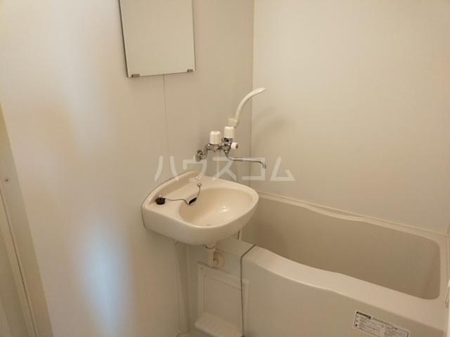 LEO CUTTE 102号室の風呂