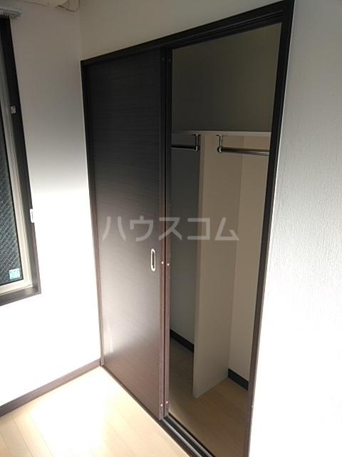 LEO CUTTE 102号室の玄関