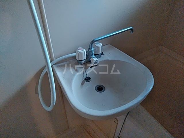 メゾンセル 102号室の洗面所