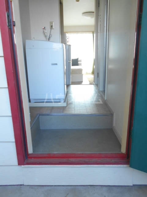 レジデンス扇 107号室の玄関