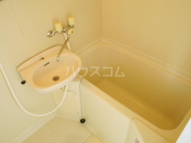 レジデンス扇 107号室の風呂