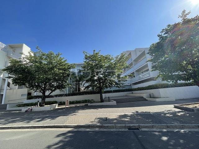 プレサンスロジェ横濱天王町外観写真