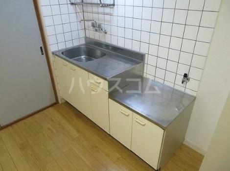 グリーンハイツ 0102号室のキッチン