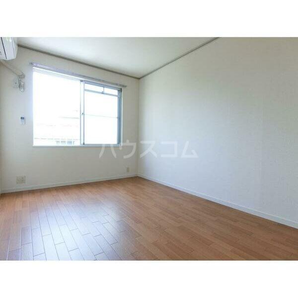 エステートピア原2 205号室の居室