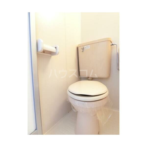 エステートピア原2 205号室のトイレ