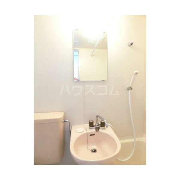 エステートピア原2 205号室の洗面所