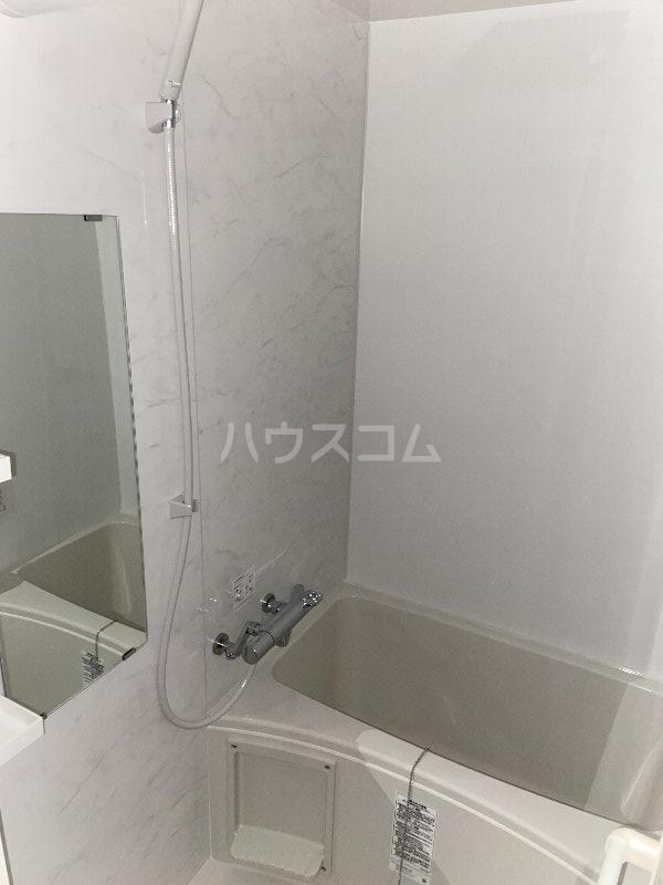 ブランノワール 103号室の風呂