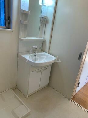 下小田貸家の洗面所
