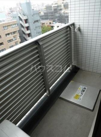 アジールコート中野坂上 701号室のバルコニー
