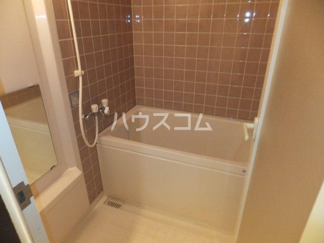 エスポア日吉 901号室の風呂