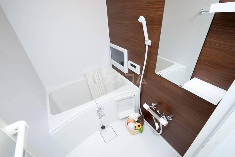 フォレール 104号室の風呂