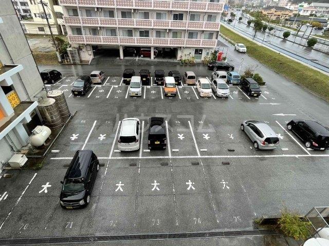 名桜マンションA棟 201号室の駐車場