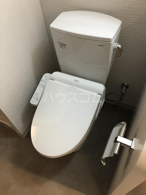 リアンプレミアム大濠公園 201号室のトイレ