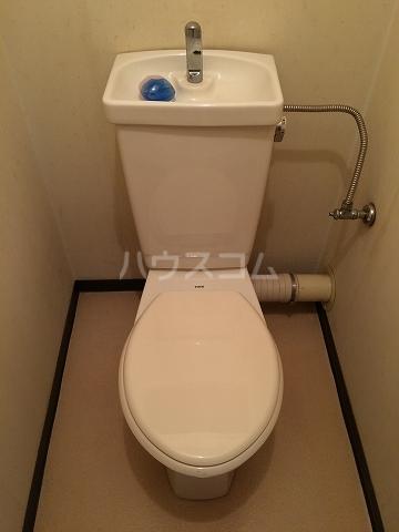サンシャイン富士パート4 215号室のトイレ