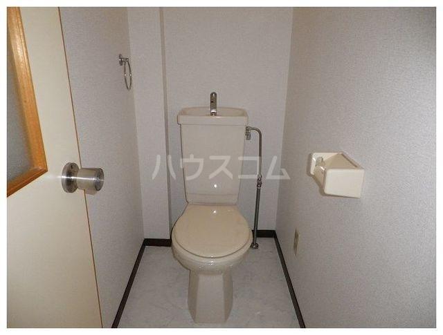 ルミエールカサマ 01030号室のトイレ